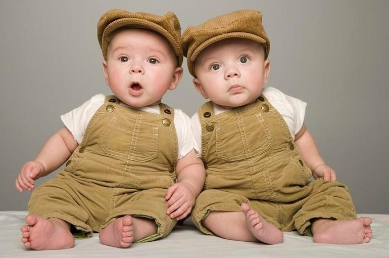 близнецы живут дольше