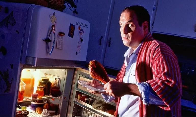 Почему человек ест по ночам