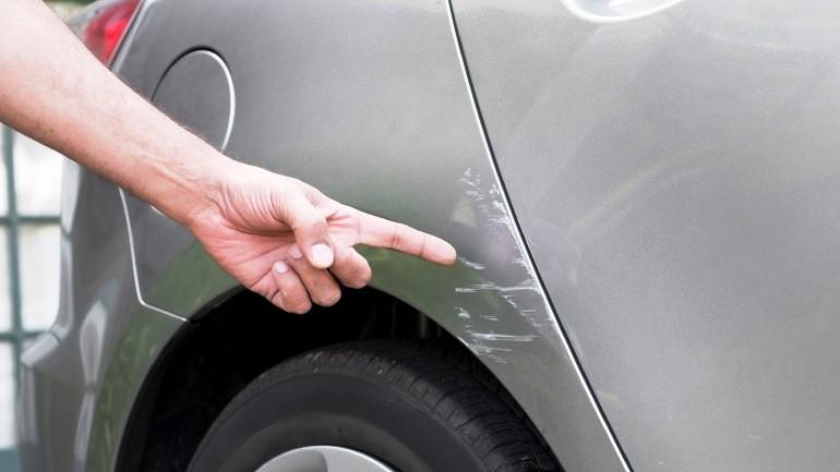 Как избавится от царапин на машине