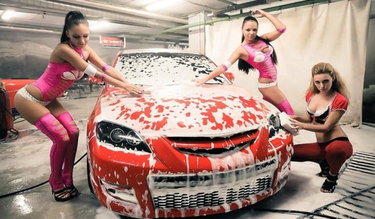Мыть машину самостоятельно или на автомойке?
