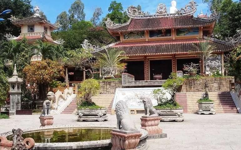 Обман туристов в Пагоде Лонг Шон в Нячанге