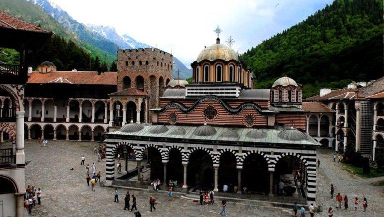 Уникальный Рильский мoнастырь в Болгарии