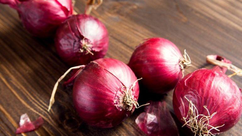 Красный лук снижает риск развития болезней сердца