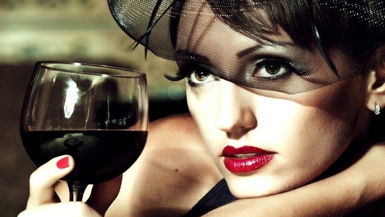 Вино способствует развитию женской онкологии