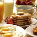 Поздний завтрак по выходным вреден для организма
