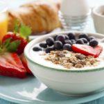 Диетологи перечислили лучшие продукты для завтрака