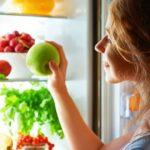 Почему вредно есть фрукты на ночь