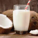 Нюансы замены молока растительными напитками