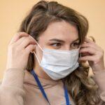 Частое ношение маски вызывает проблемы с кожей