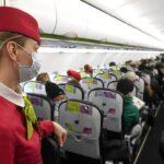 Ряд авиакомпаний изменил правила на борту